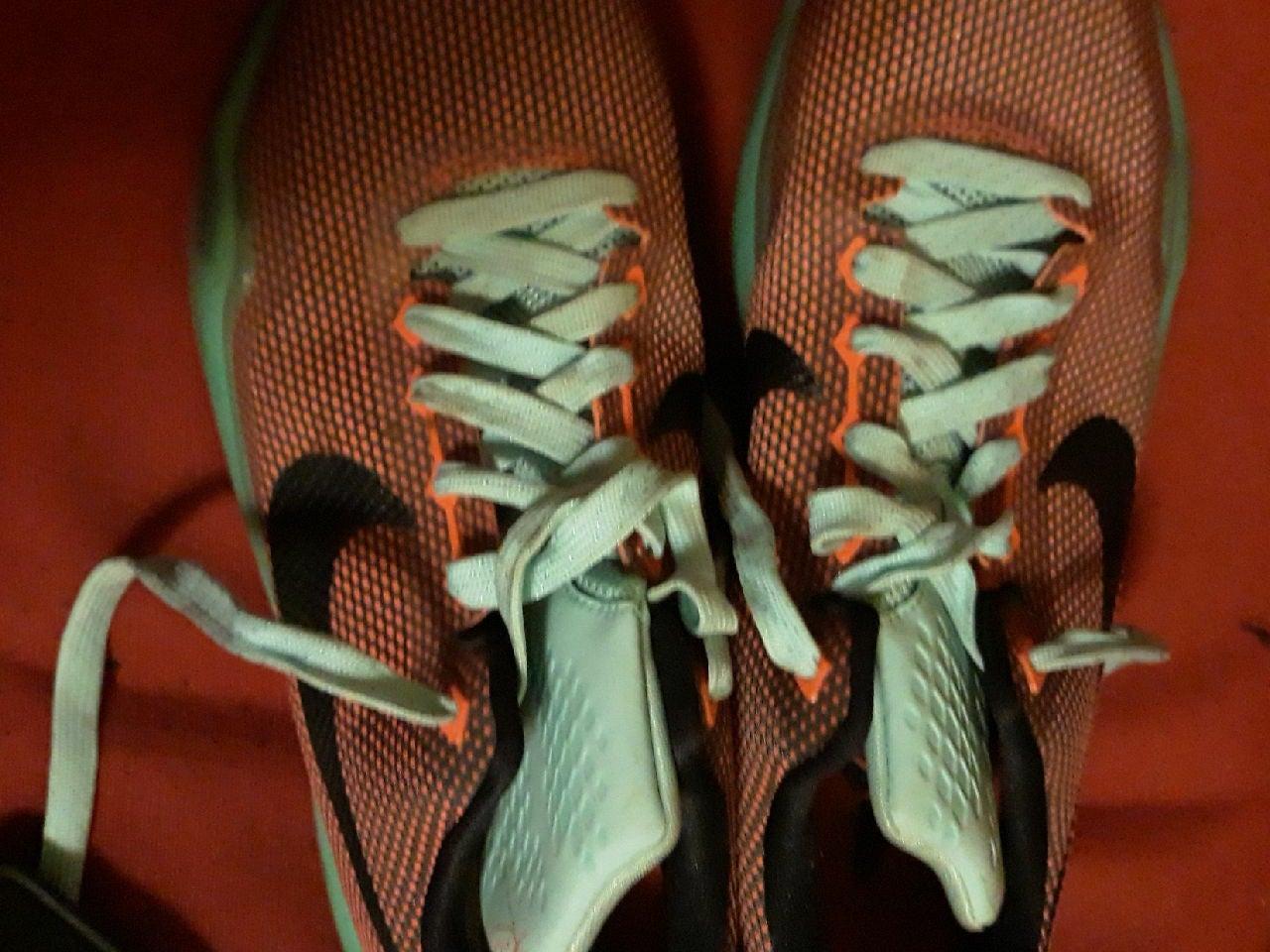 kobe shoes size 7 1/2