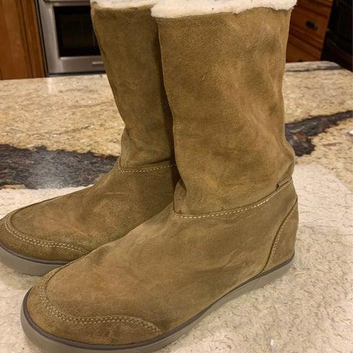 Eddie bauer womans boots