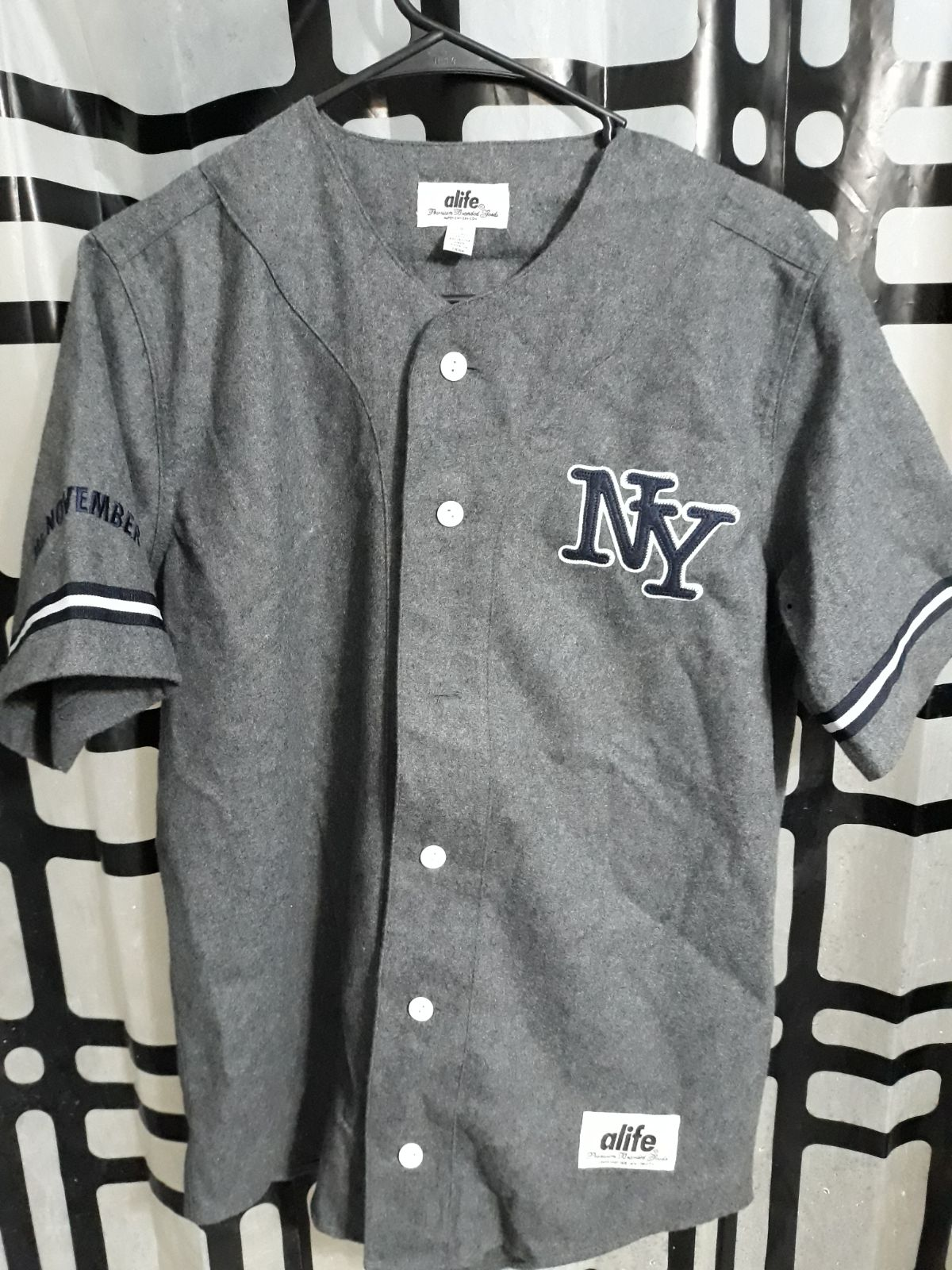 a life jersey size small mens