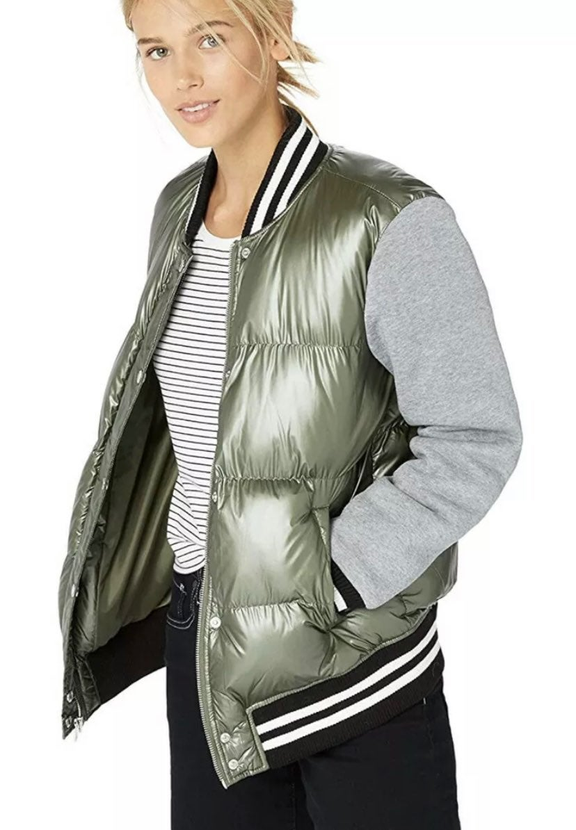 NEW Levi's Womens Quilted Jacket M $180