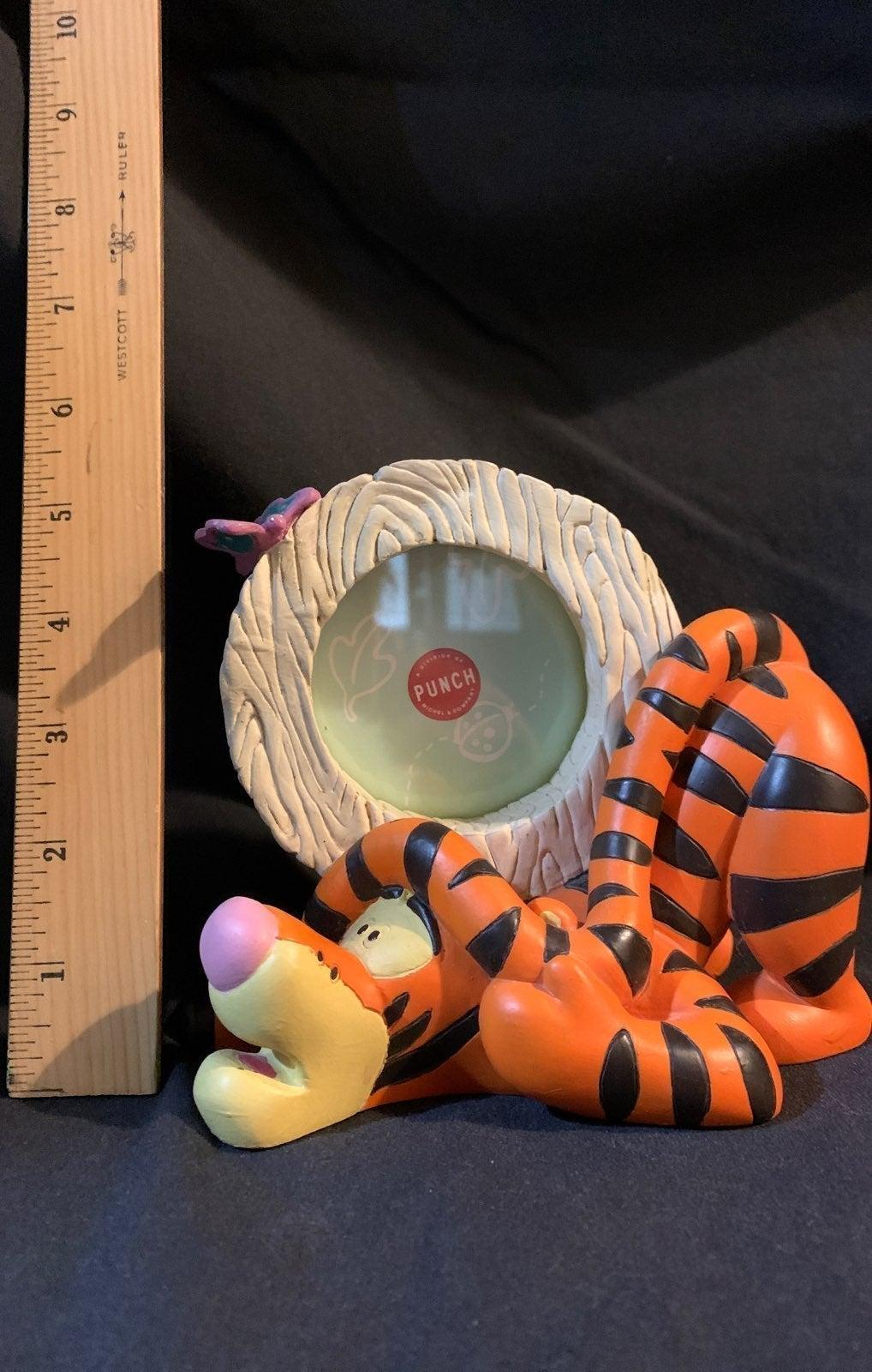 Tigger molded picture frame figurine