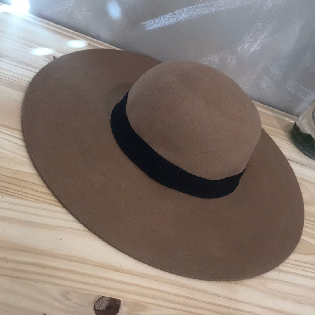 Urban Outfitters brown sun hat