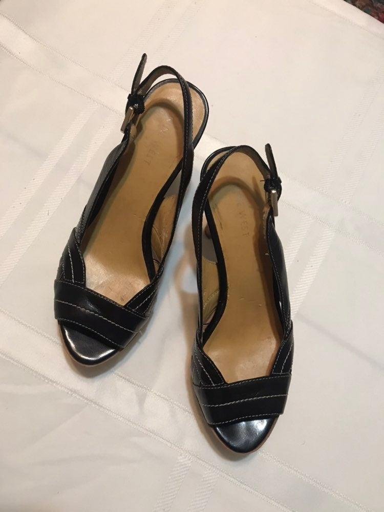 Ladies Nine West shoes