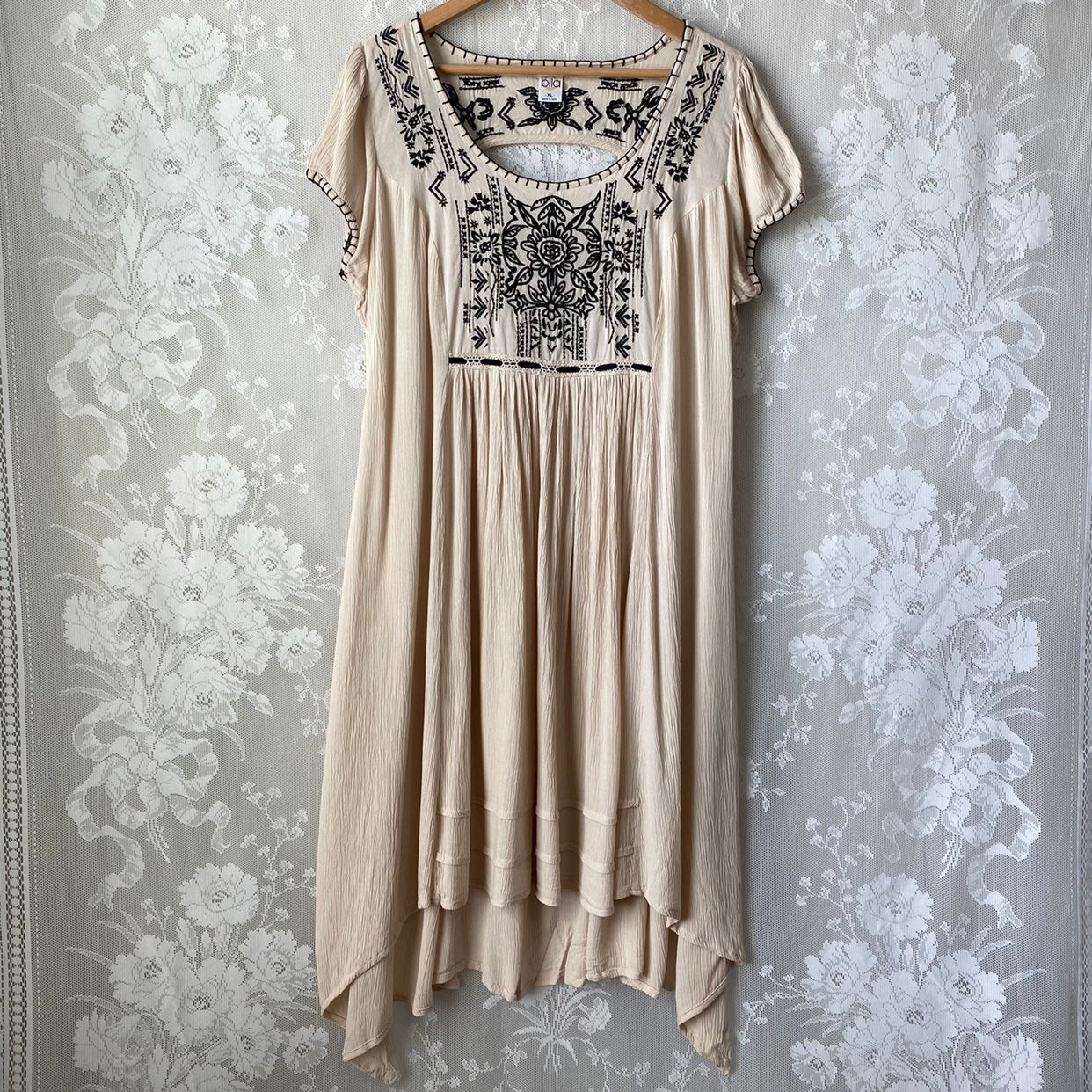 Bila Beige Black Embroidered Dress XL