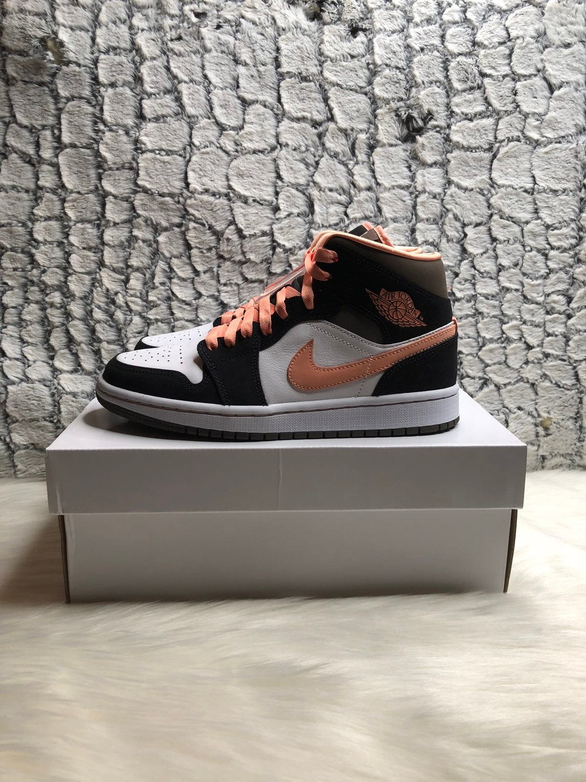Jordan 1 peach mochas