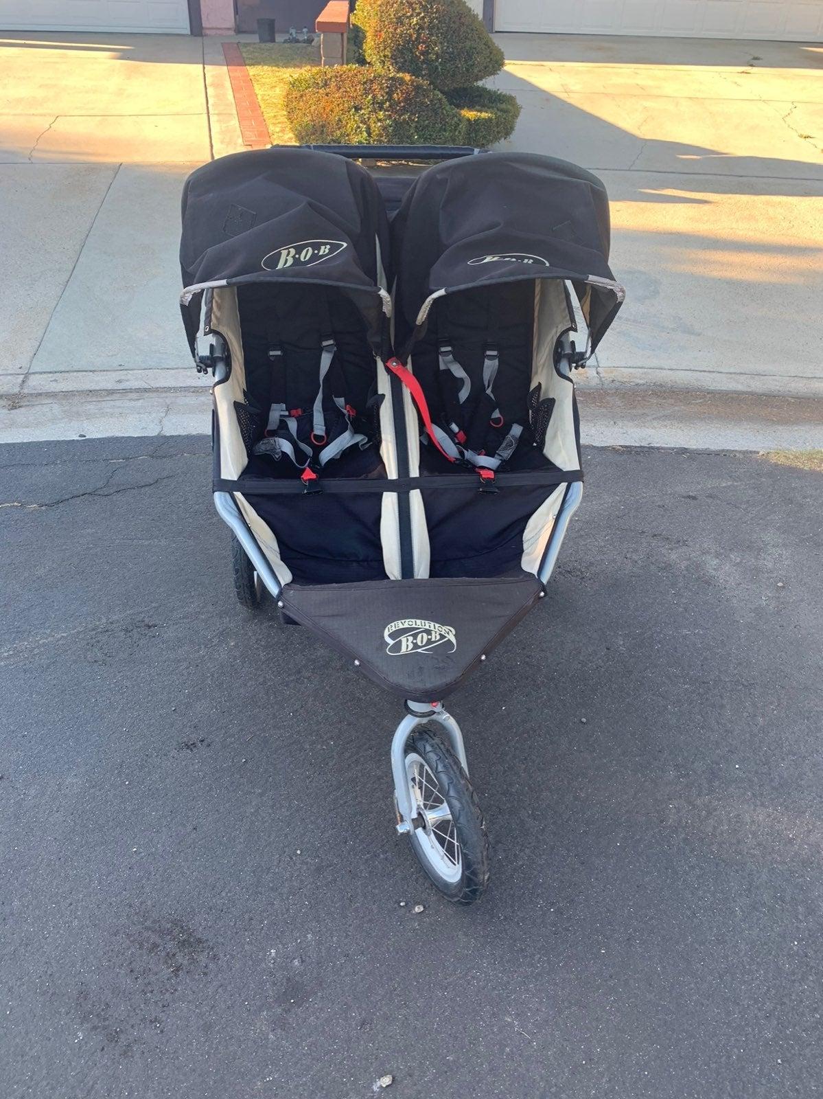 Bob revolution double stroller