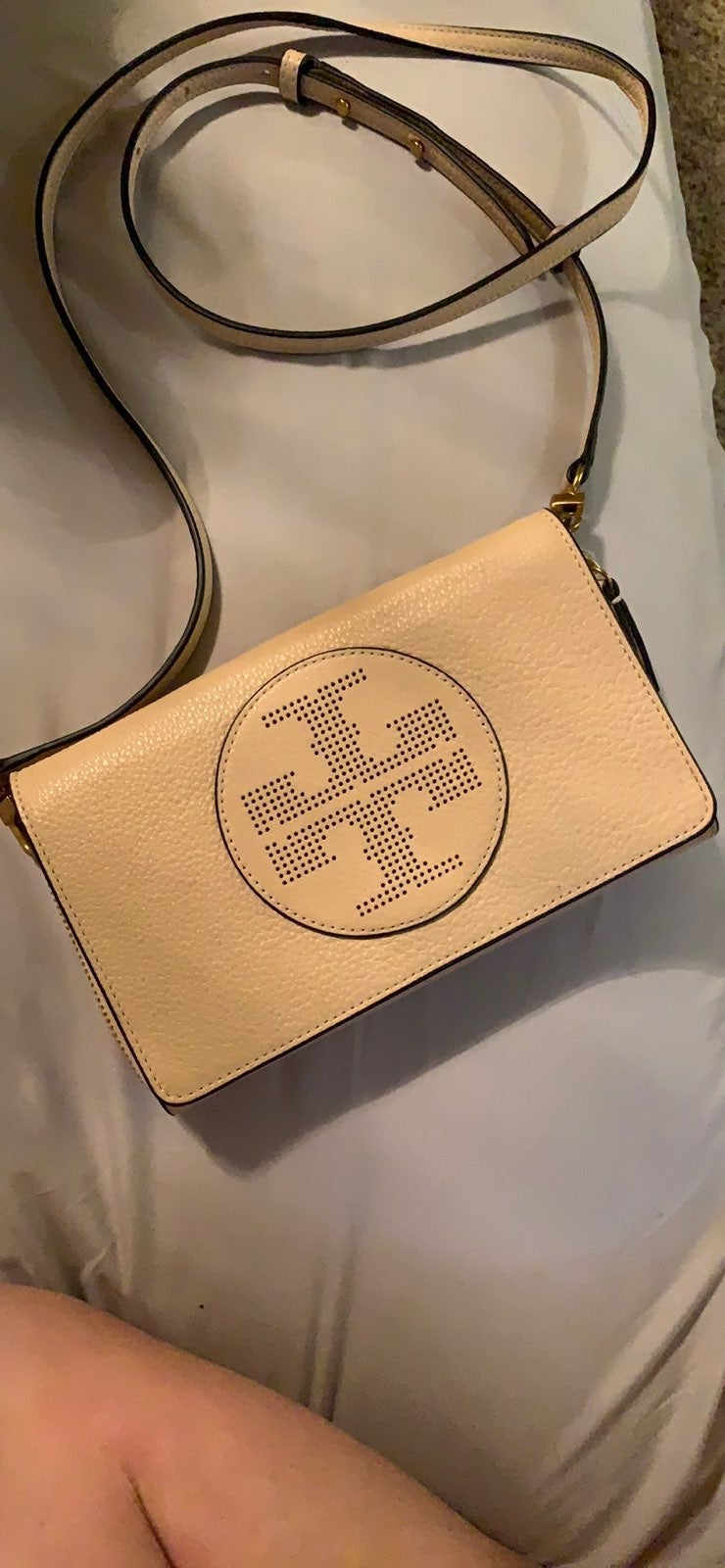 Tory Burch Logo Flat Crossbody Wallet