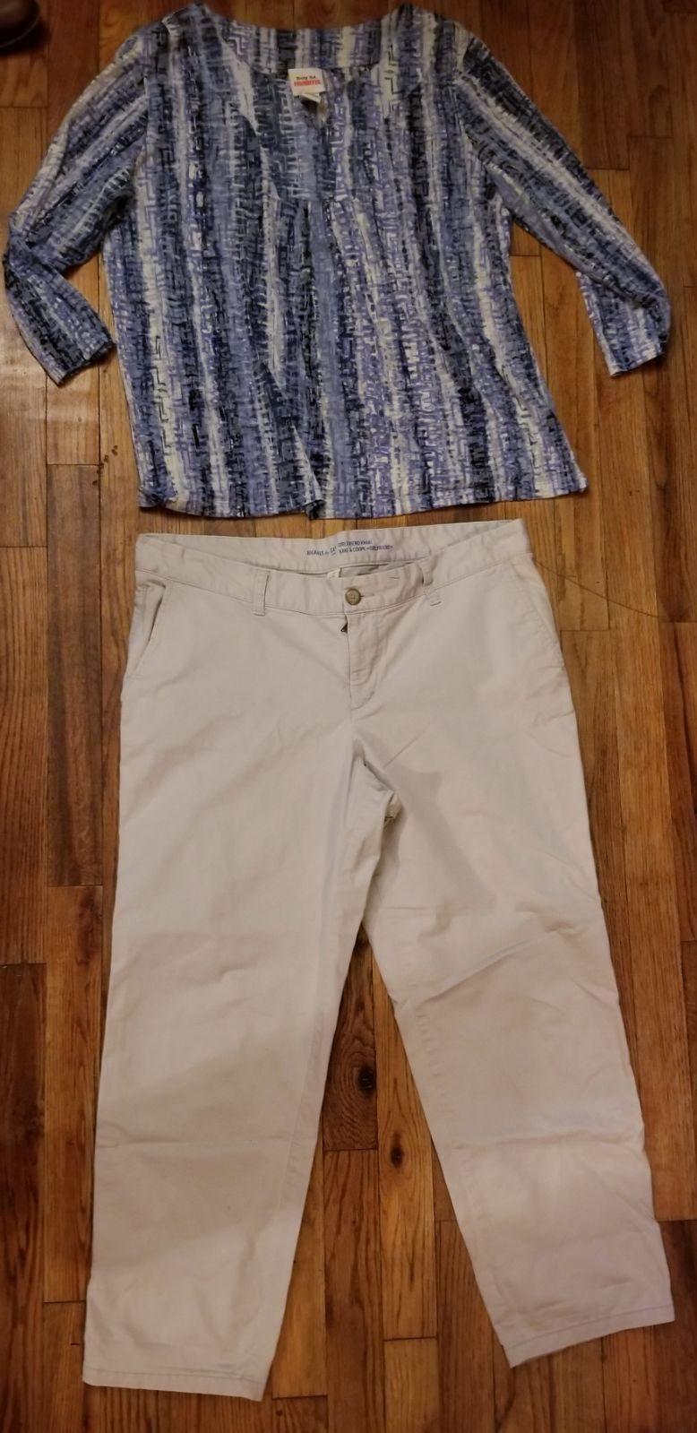 Womens Outfit Top/ GAP Pants Size 14