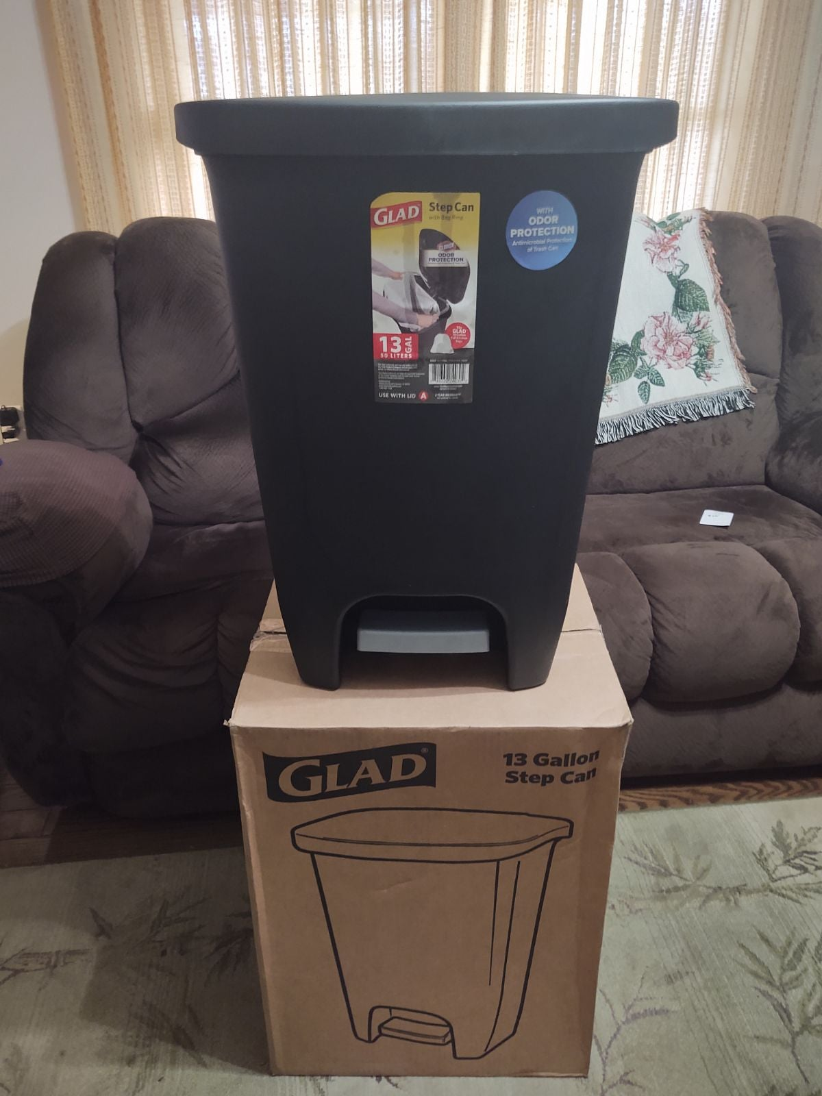 Glad garbage can
