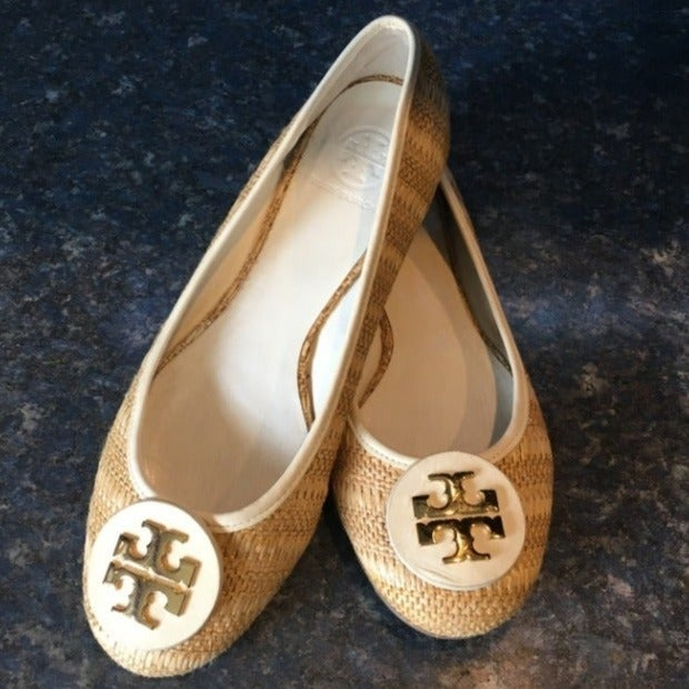 Tory Burch Tan & White REVA Straw Flat