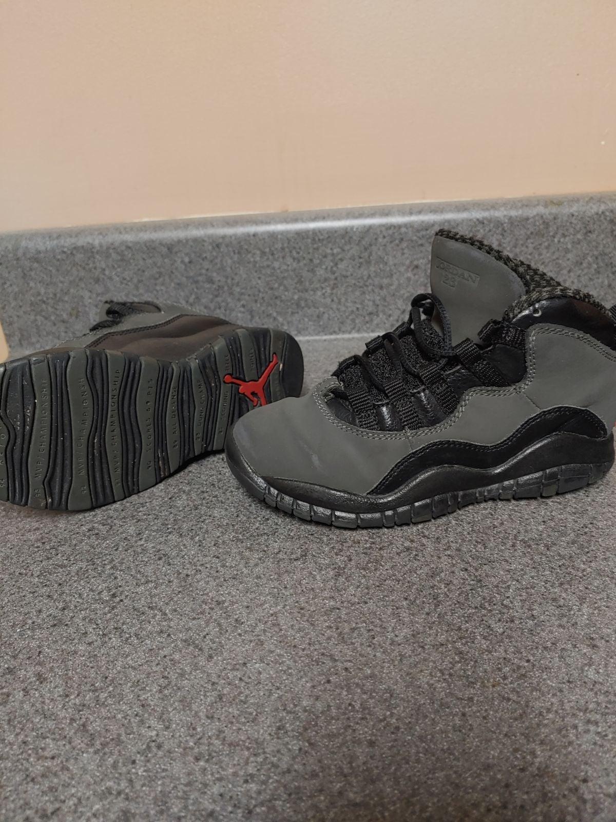 Air Jordan 10 retro shadow size 11c