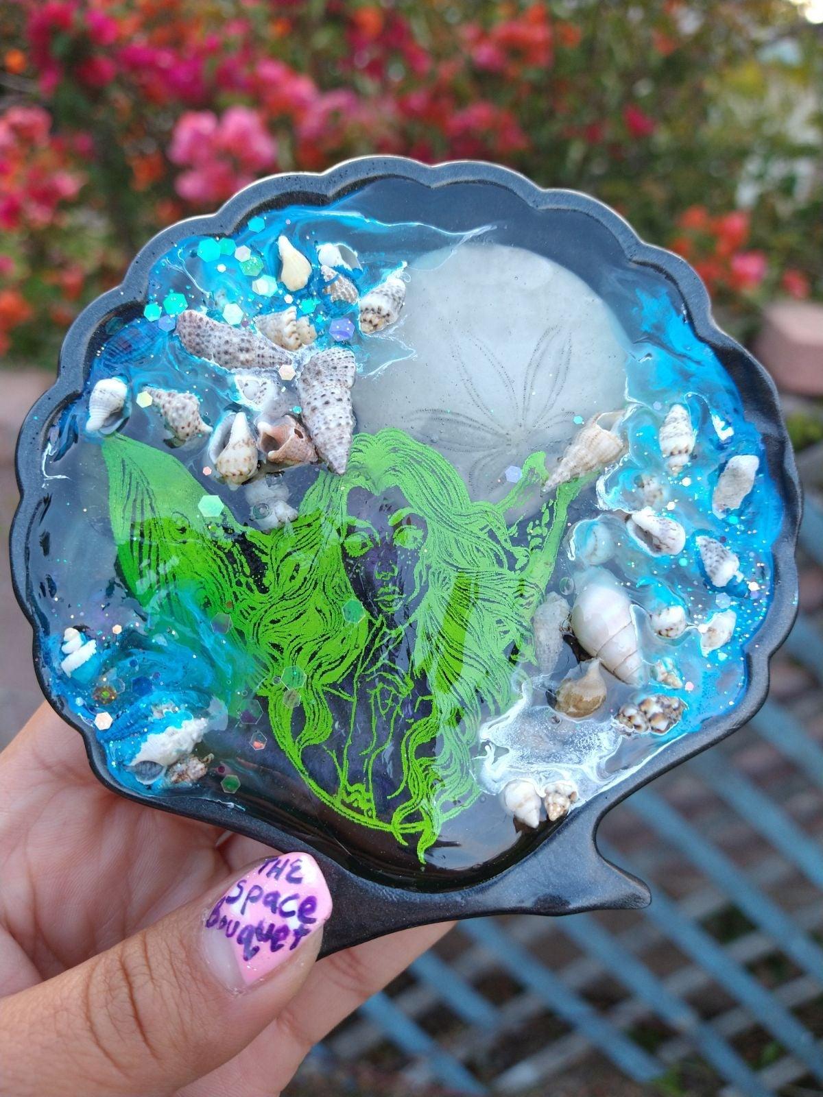 Under water mermaid shell decor