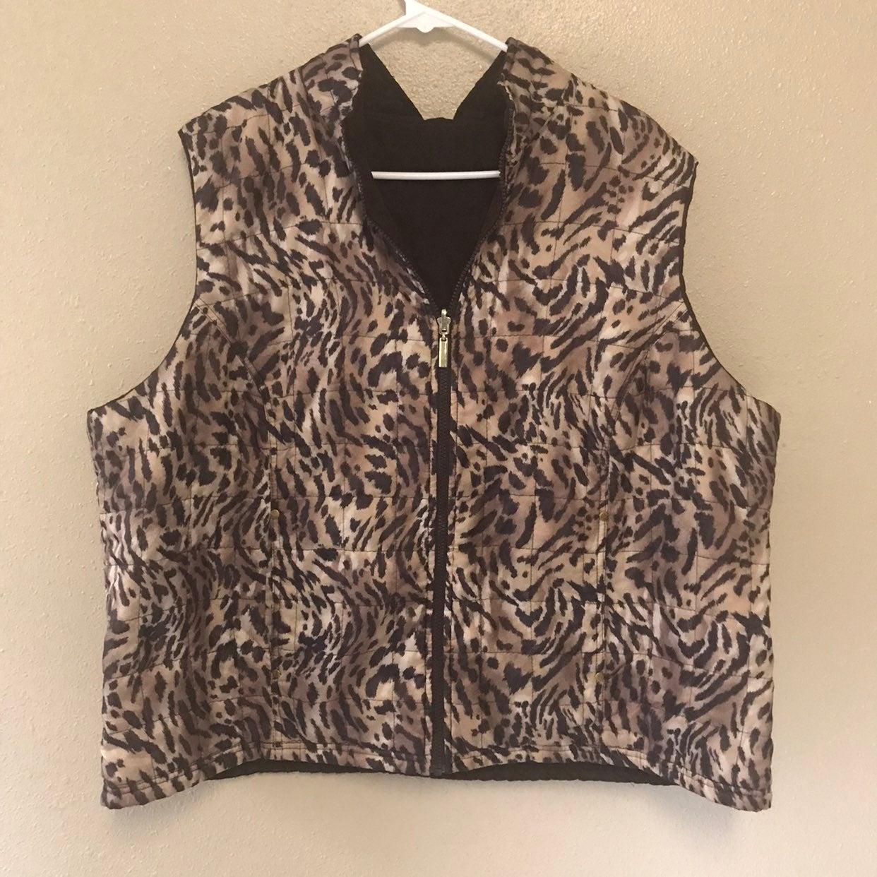 Leopard print reversible plus size vest