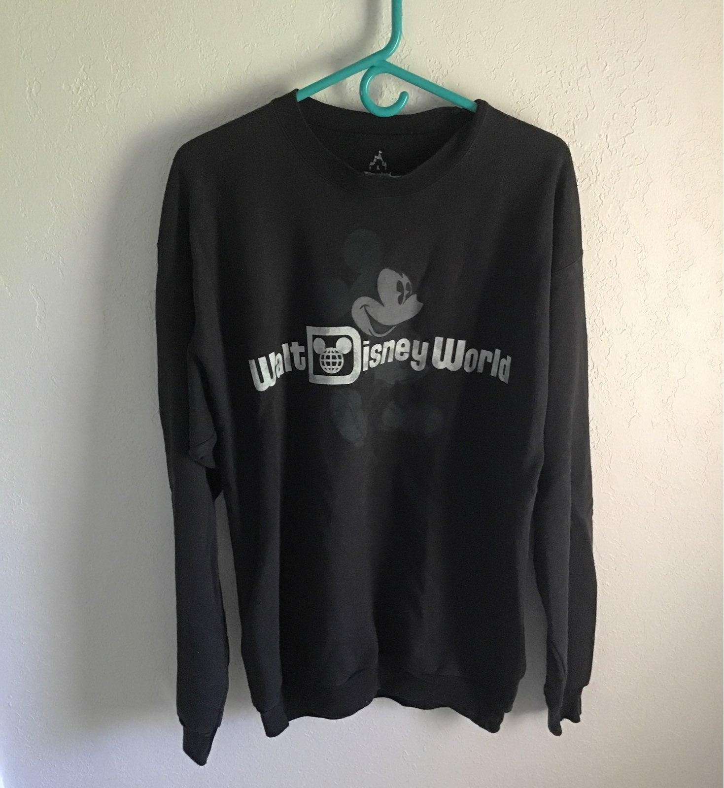 Vintage Disney World sweatshirt black