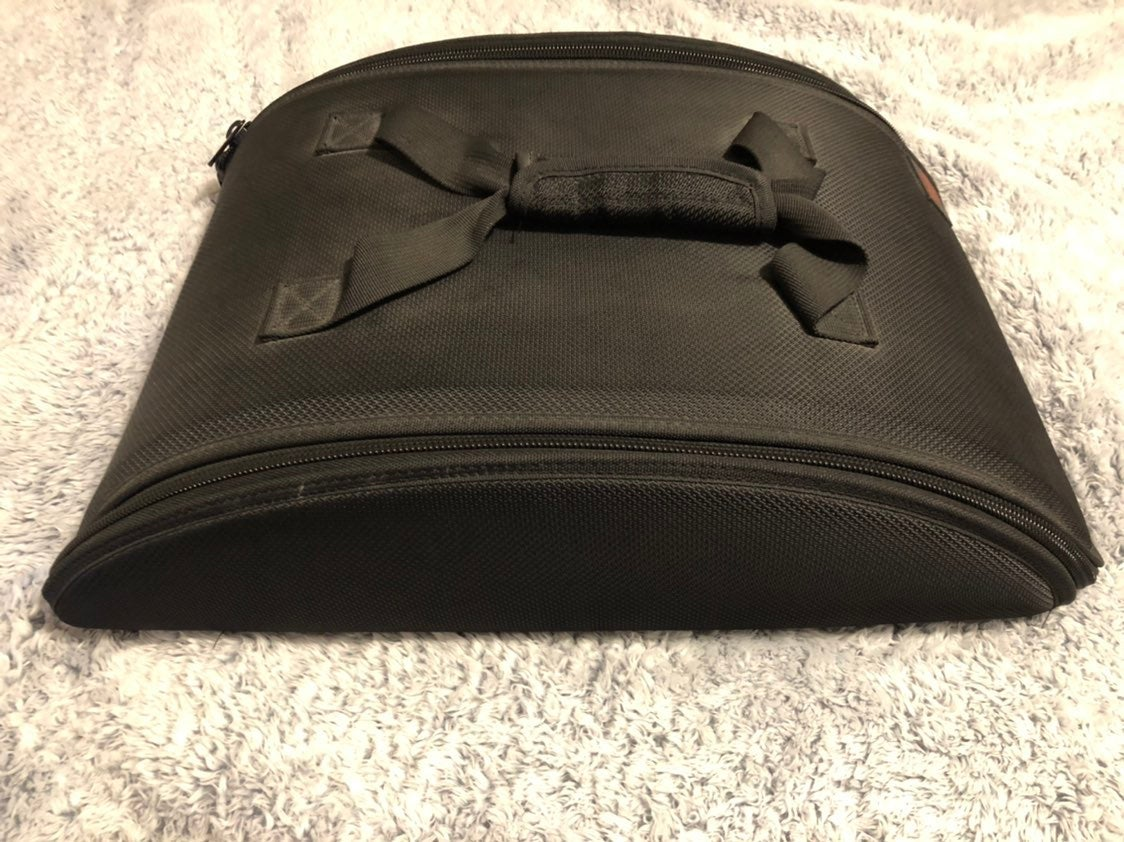 Pampered chef domed insulated food carri