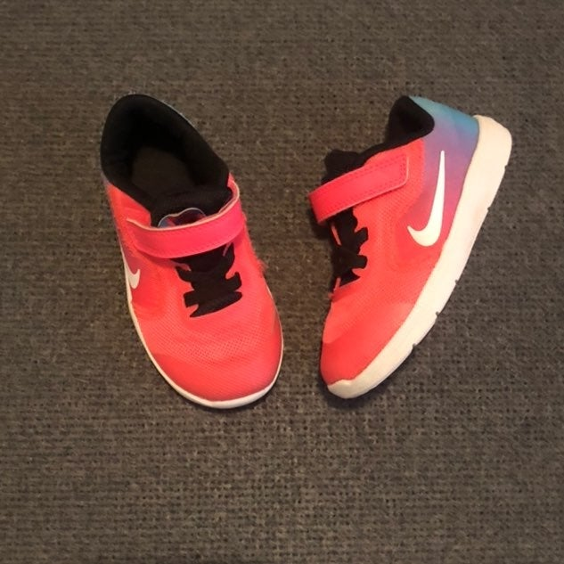 Nike Revolution 3 Girls Sneakers sz 7C