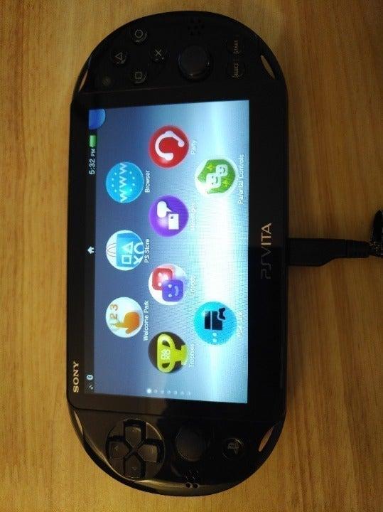 PS Vita OLED 1101 WiFi/3G Clean Loaded