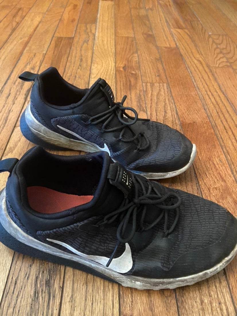 Black Nike Size 8 Womens shoe