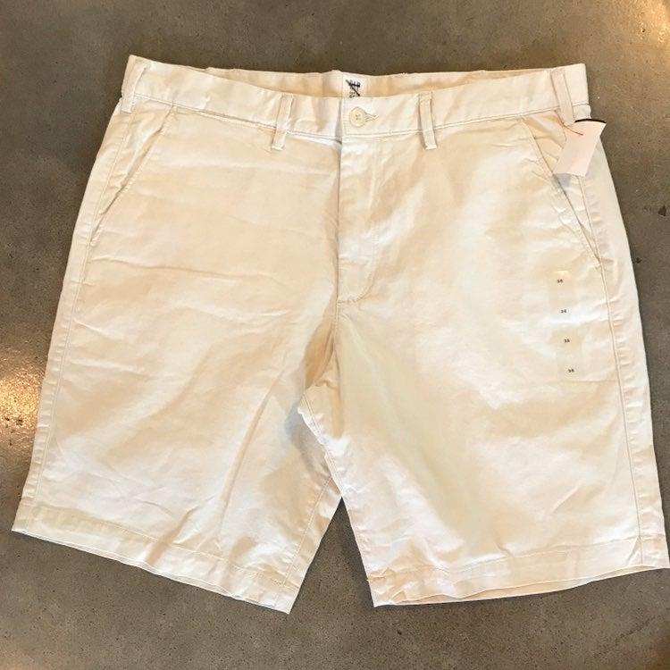 NEW Gap khaki classic Shorts Men