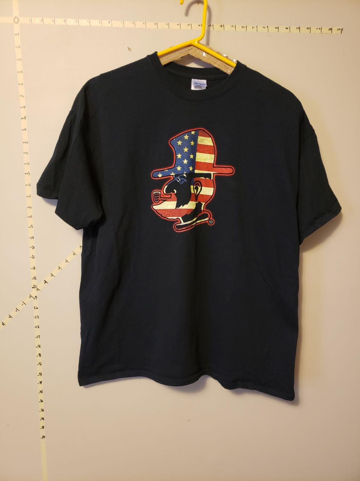 Gildan Black Graphic Tshirt