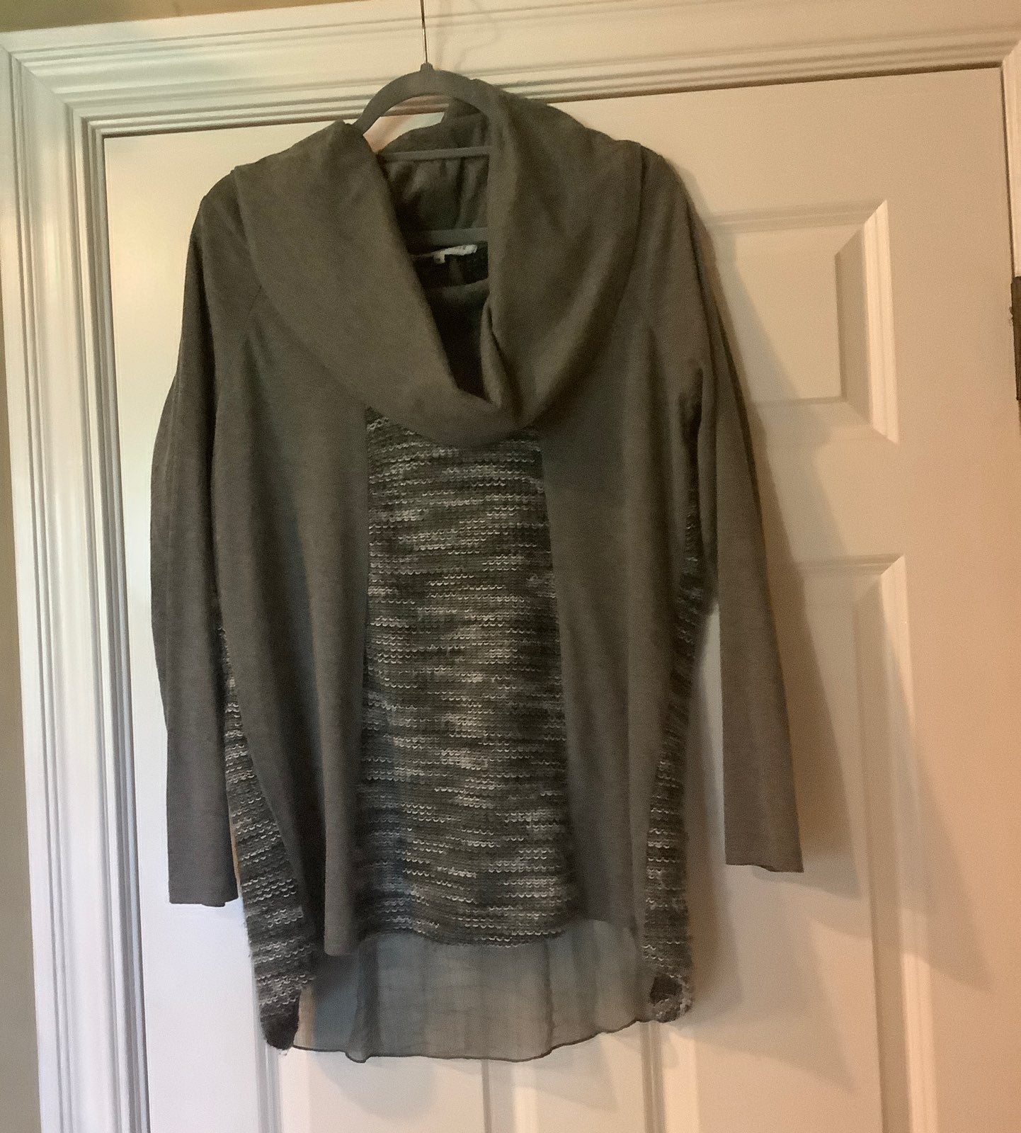 Altar'd State top size M