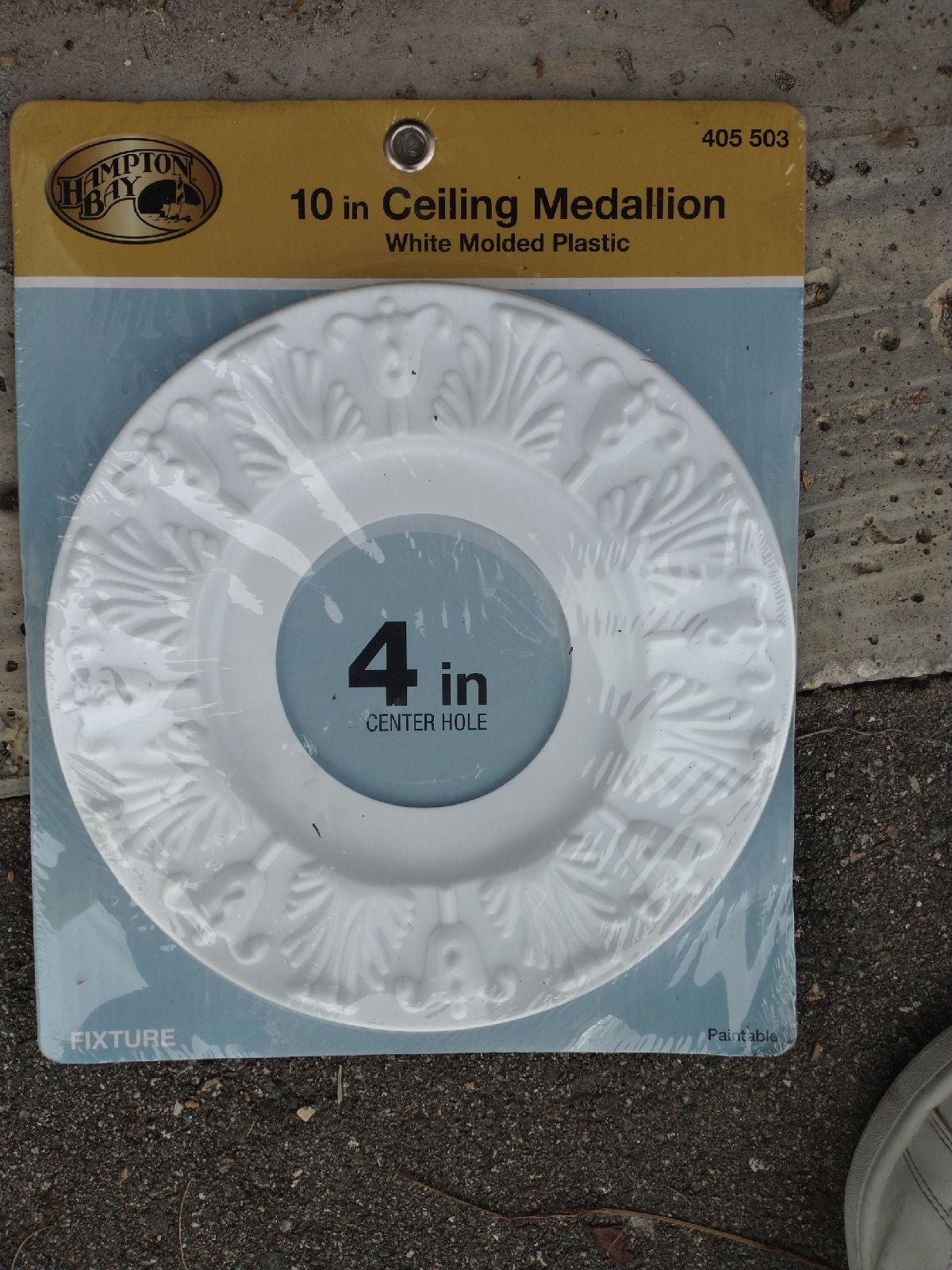 10in ceiling medalling white
