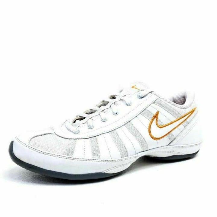 Nike Womens 10 Musique Dance Tennis Shoe