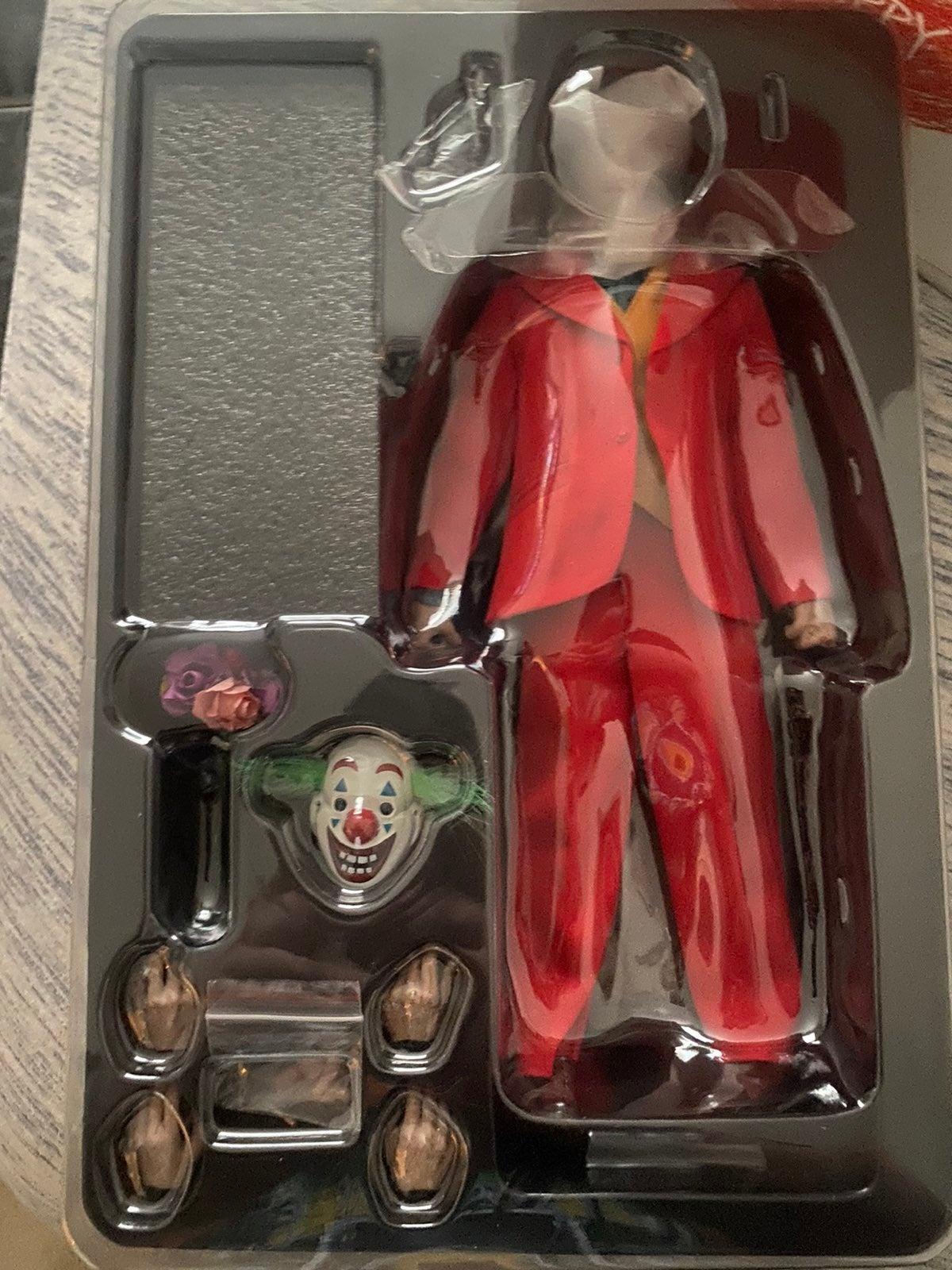 "Toys era ""comedian"""
