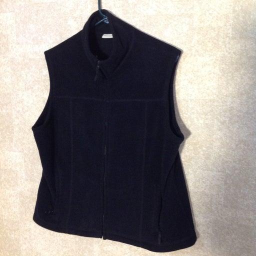 Vest Women Size 18. Black