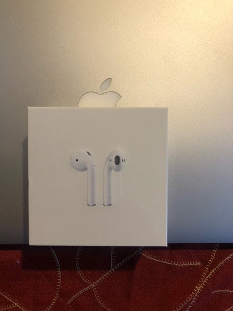 Apple AirPods 2nd gen Sealed