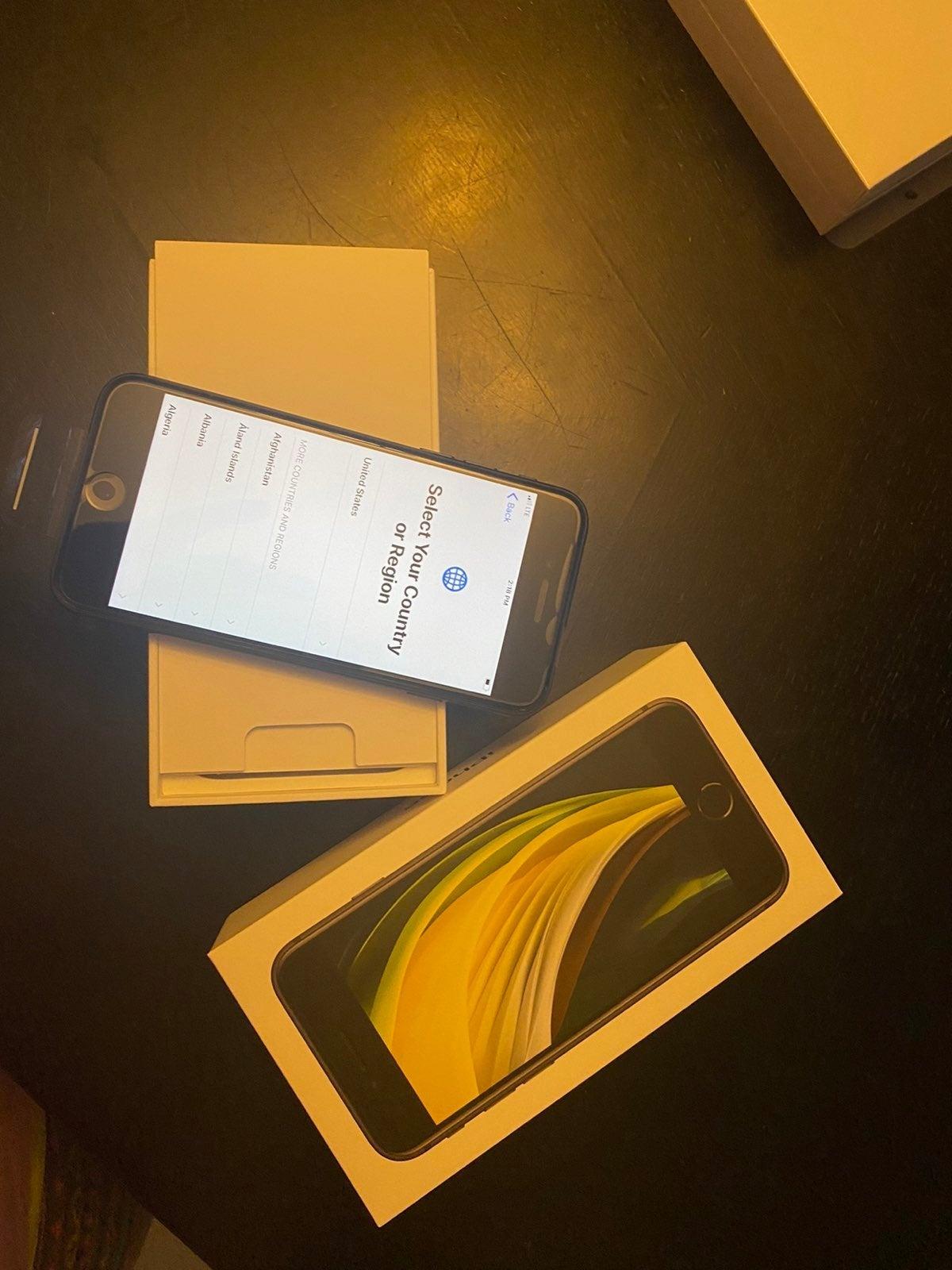 iPhone SE (2nd Generation) Black 64 giga