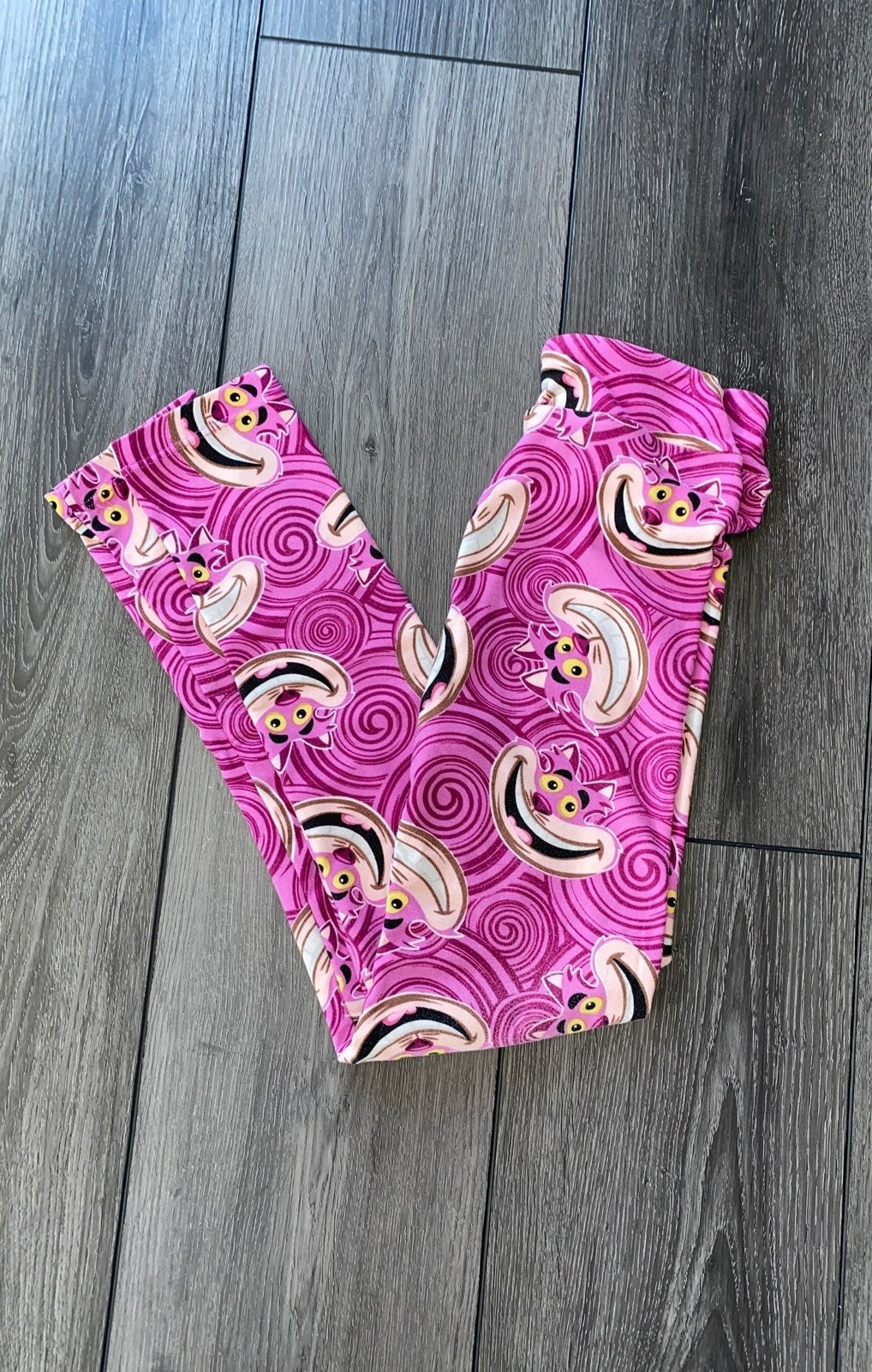 LuLaRoe Alice in Wonderland kid leggings