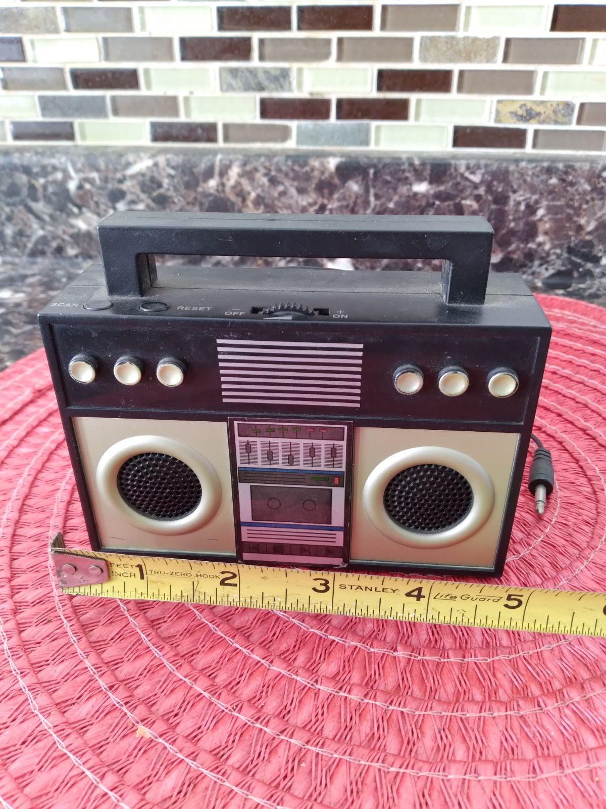 Wired boombox speaker