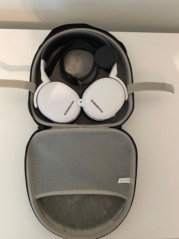 Steelseries Artic 7 Gaming Headphones