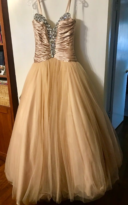 Prom/Ball Gown: Sherry Hill