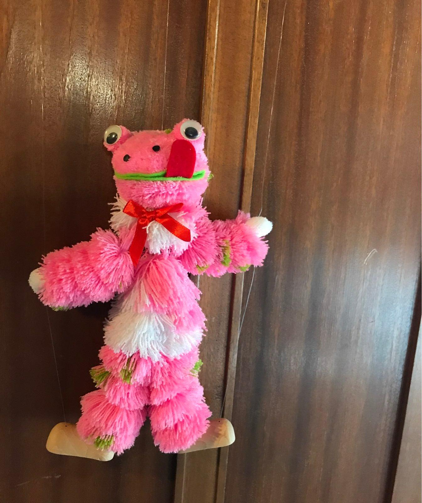 Marionette Frog