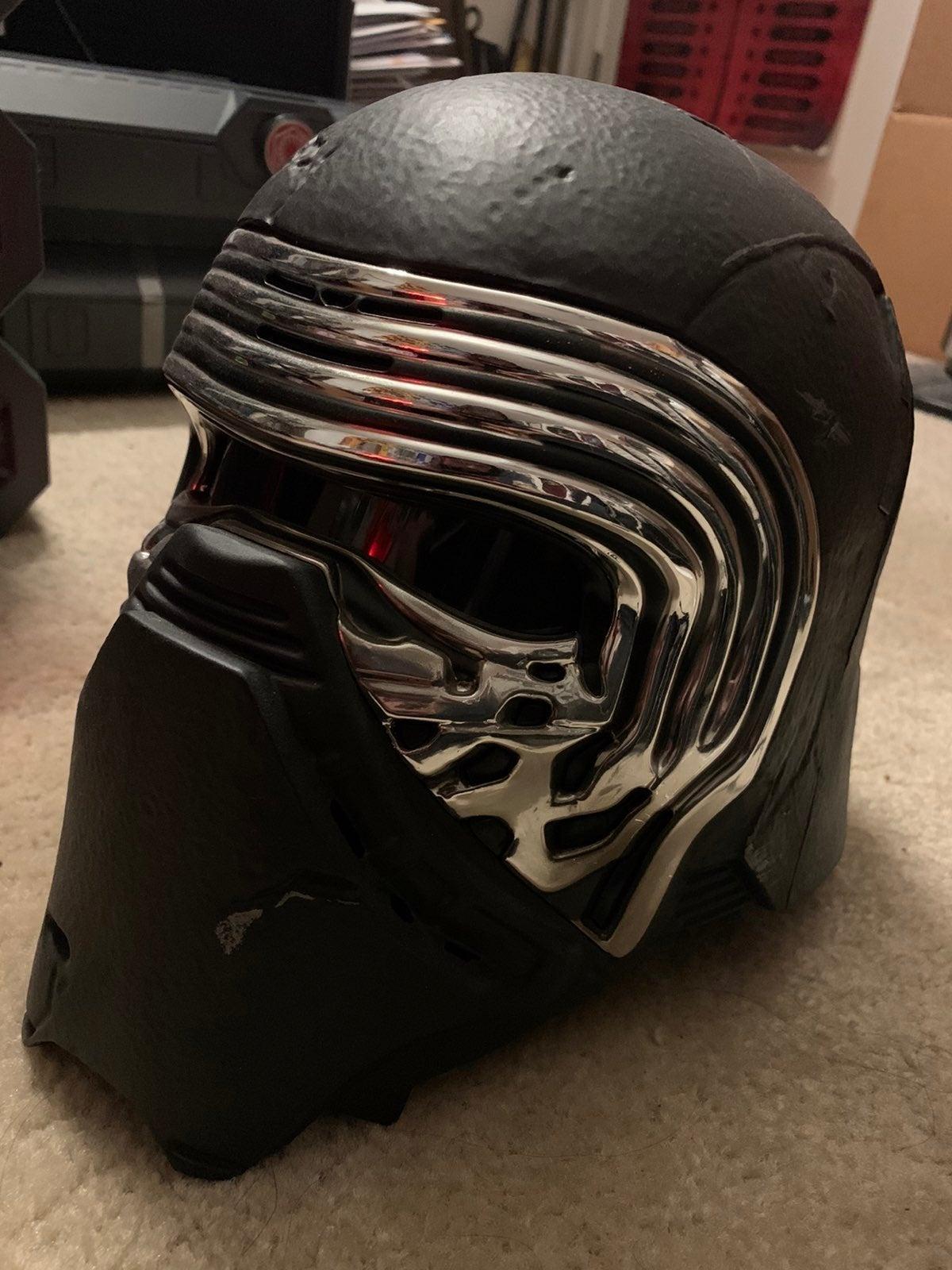 Black series kylo ren helmet