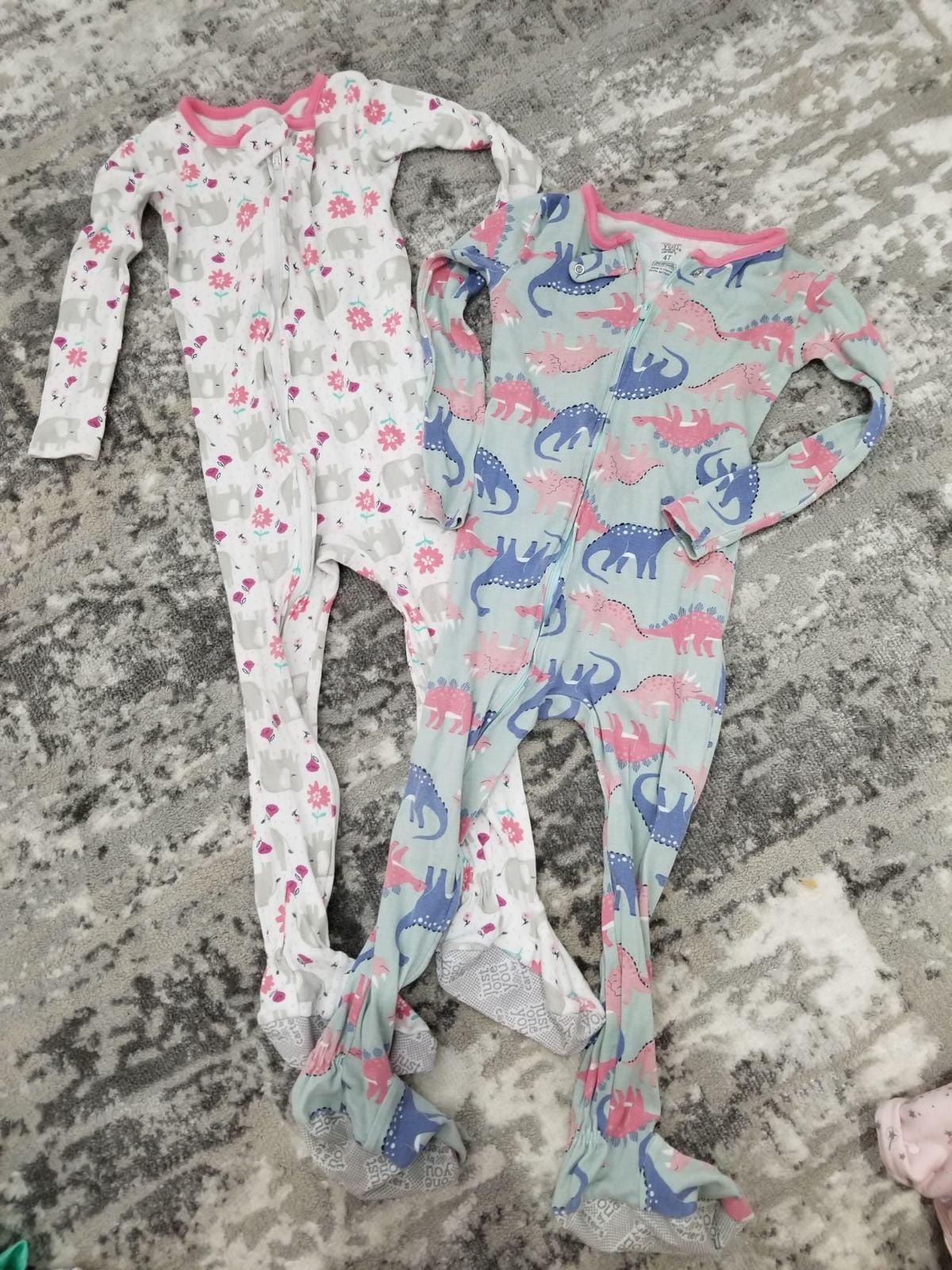 Set of 2 one piece with feet pajamas 4t