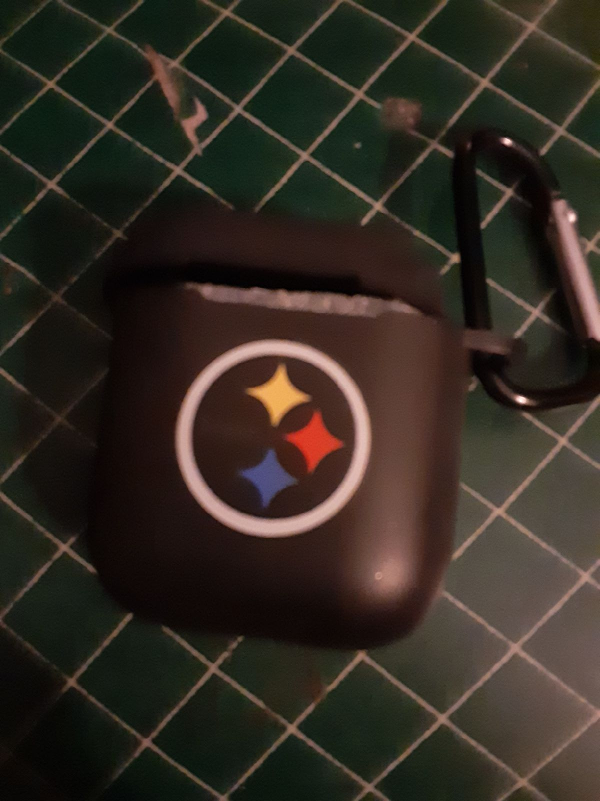 NFL PITTSBURG STEELERS AIRPOD CASE