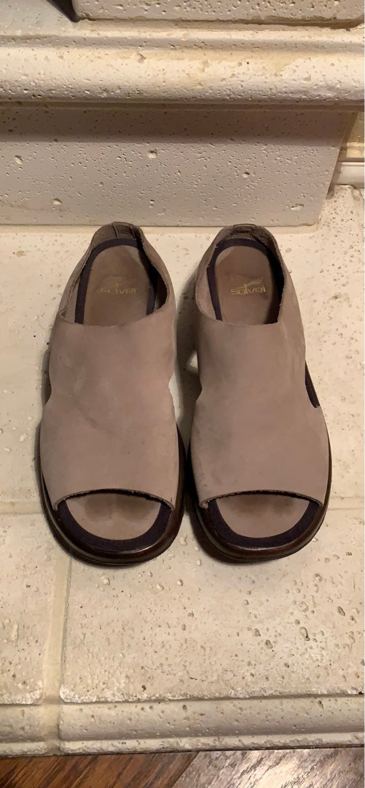 Sz 41 Dansko Grey Sandals