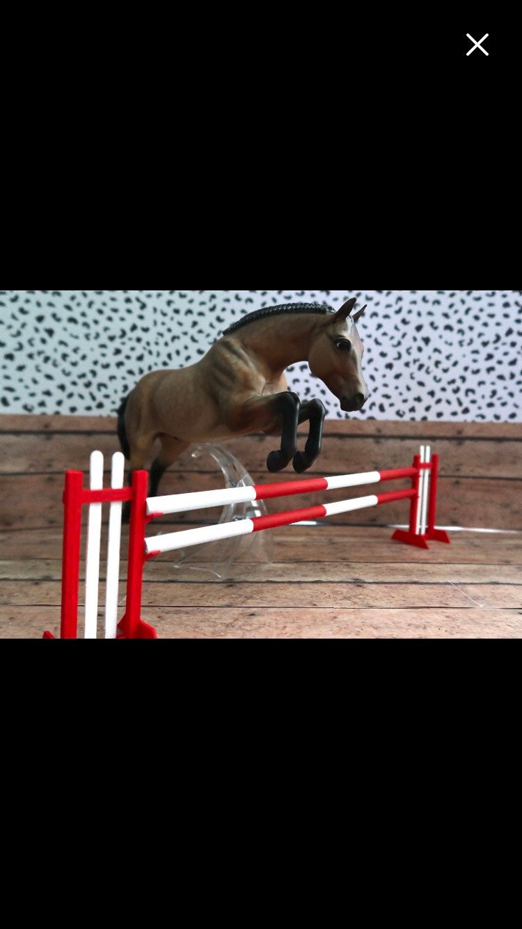 Breyer Horse Traditional Jump RED/WHITE