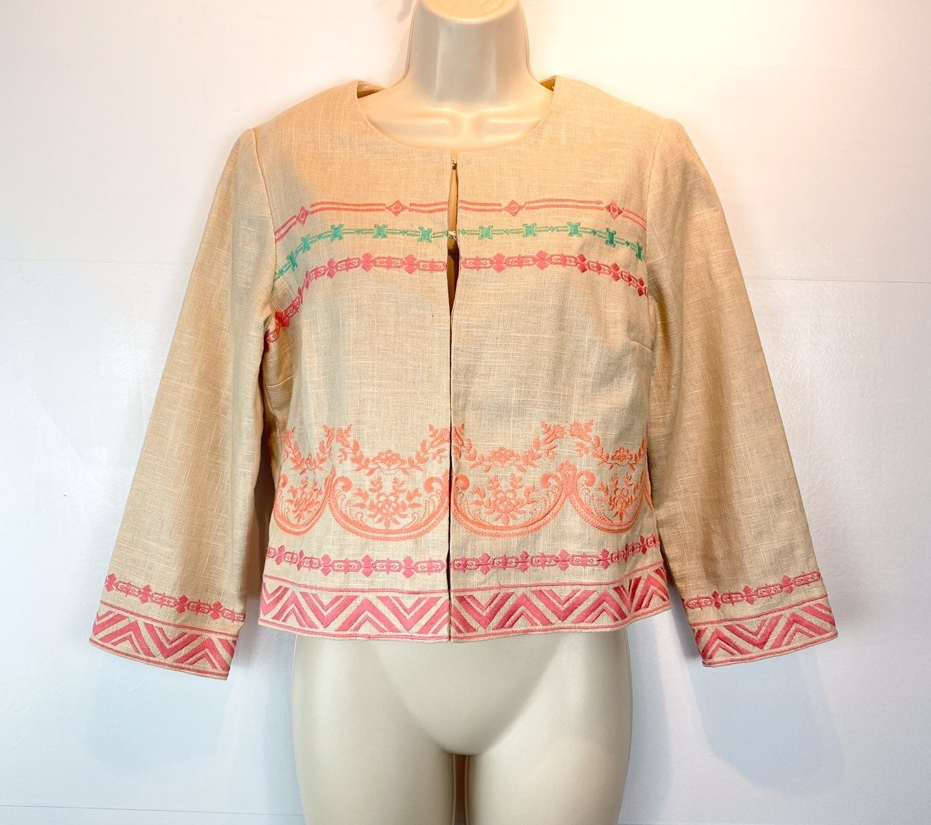 Champagne and strawberry crop jacket L