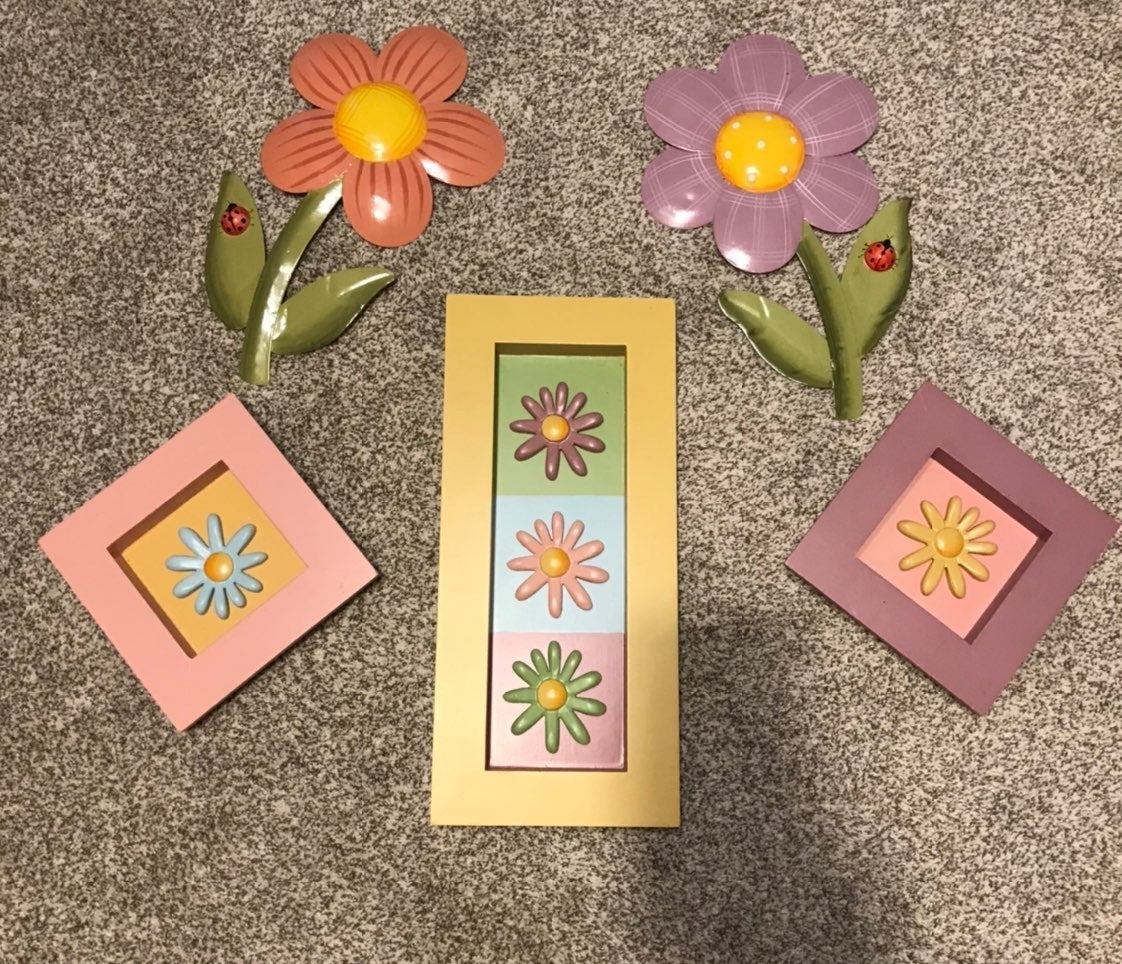 Home Interior kids pictures and flower w