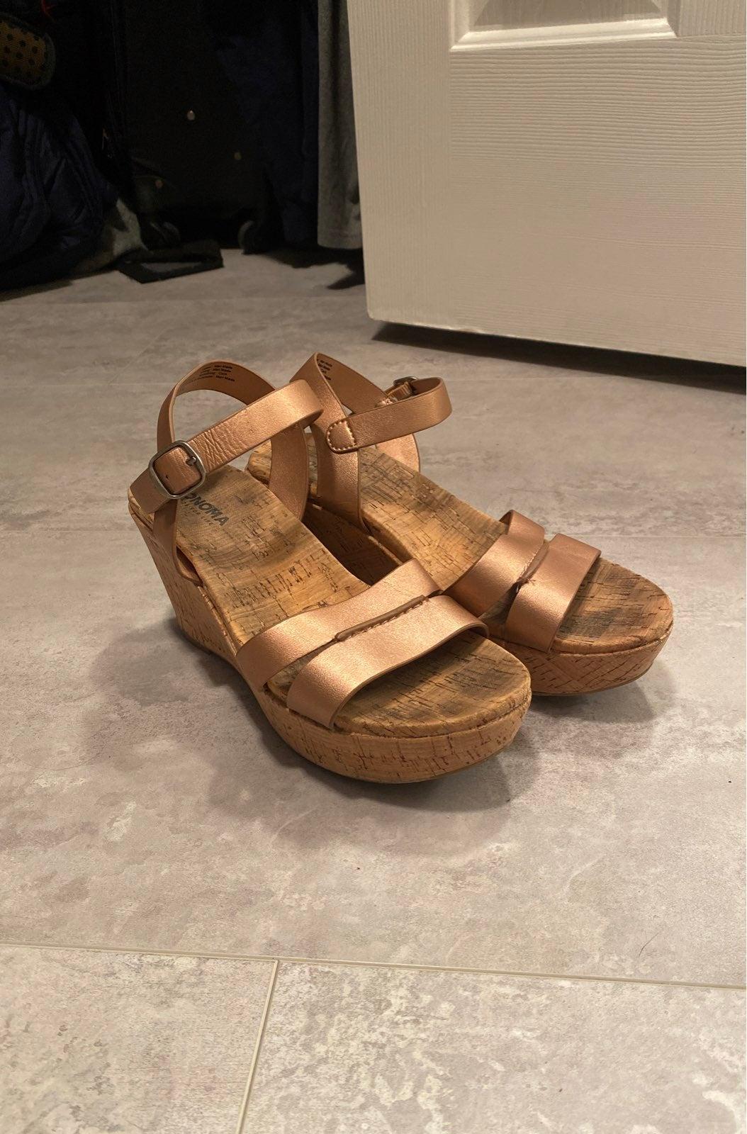 Sonoma Womens Sandals Size 6