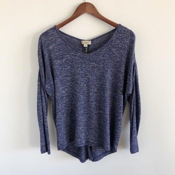 One World Blue V-Neck Knit Top L-Petite