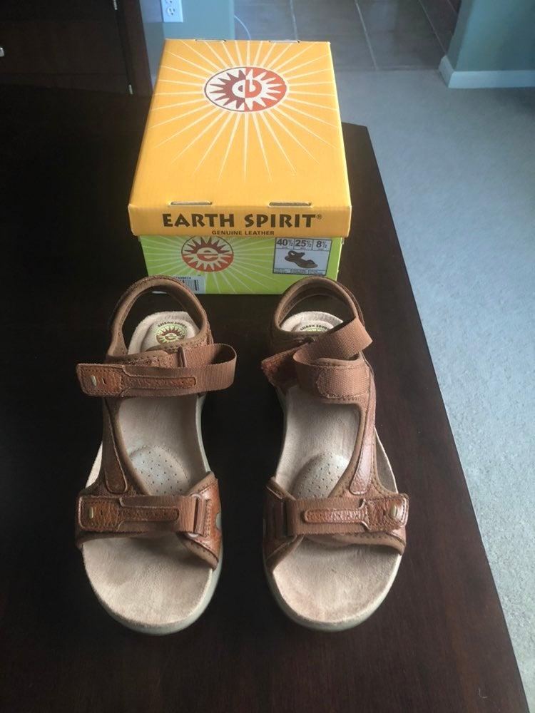 Earth Spirit Dewberry Sz 8.5 Sandal