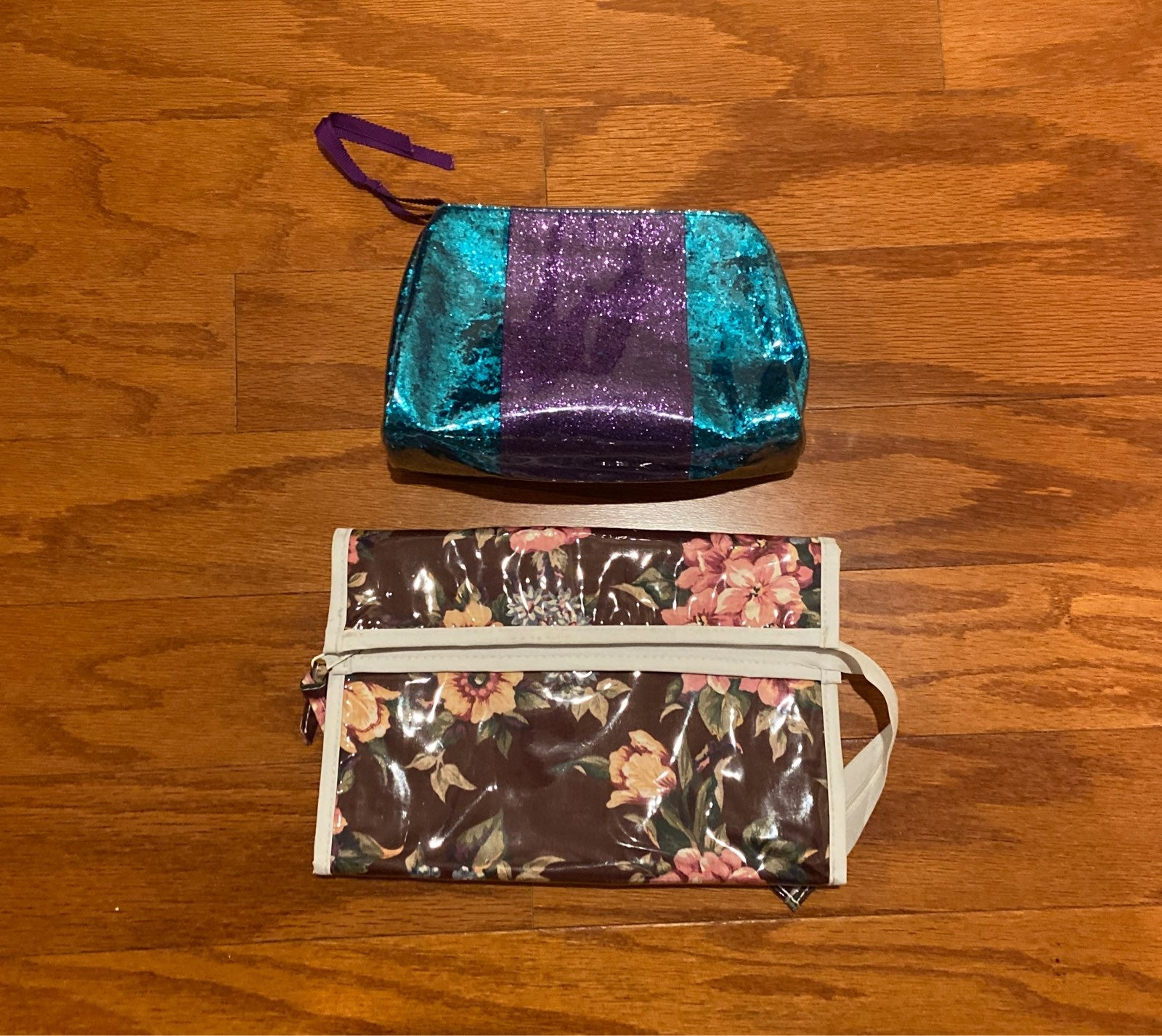 Small Cosmetic Bag and Organizer