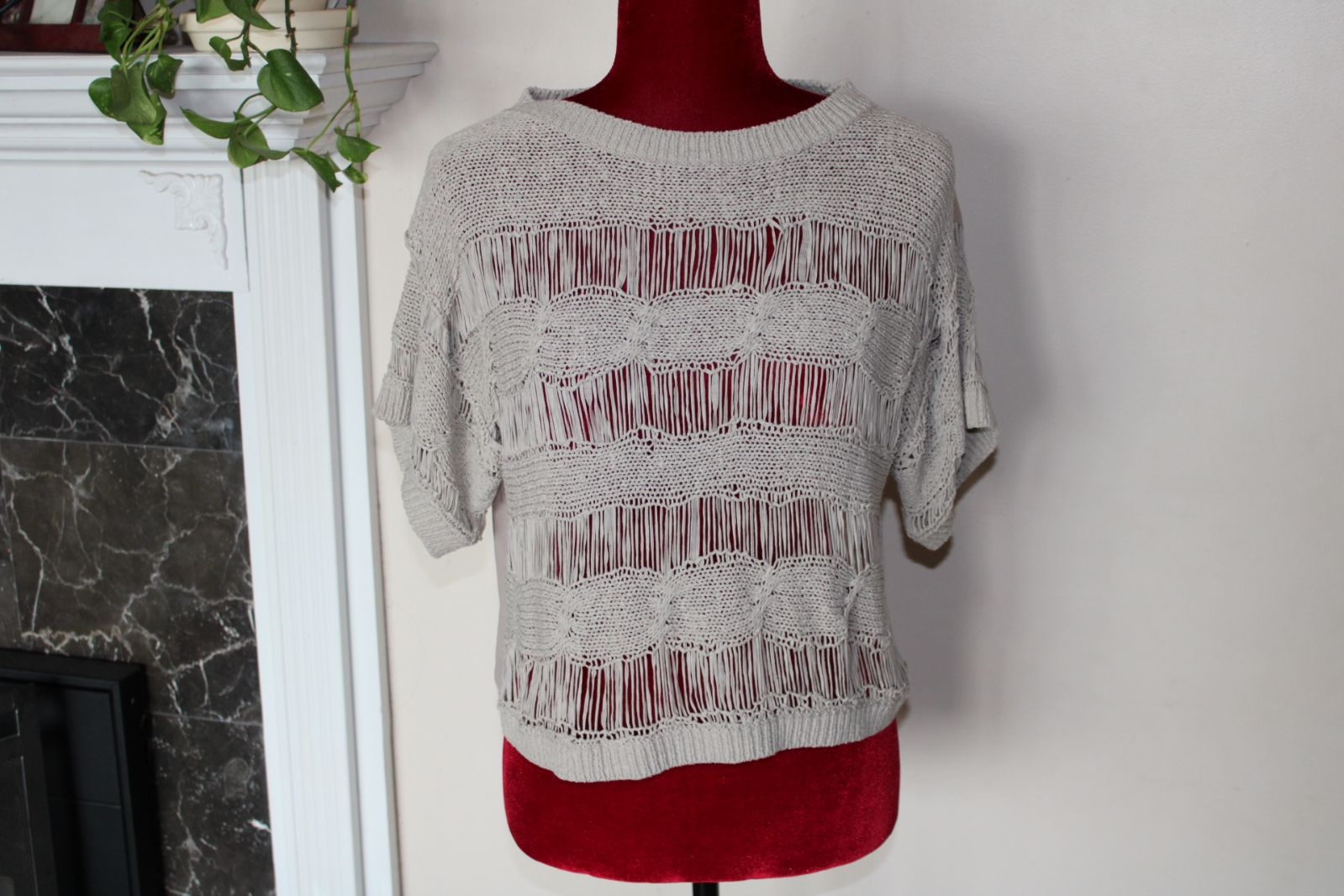 Knitted look top Size Medium