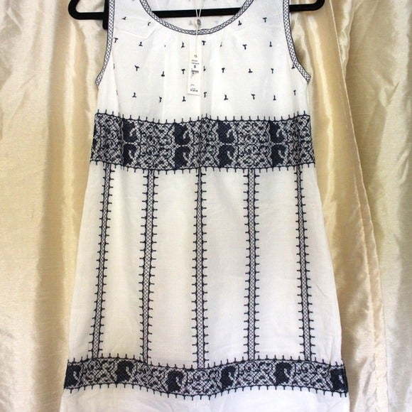 Max Studio Embroidered Shift Dress NWT
