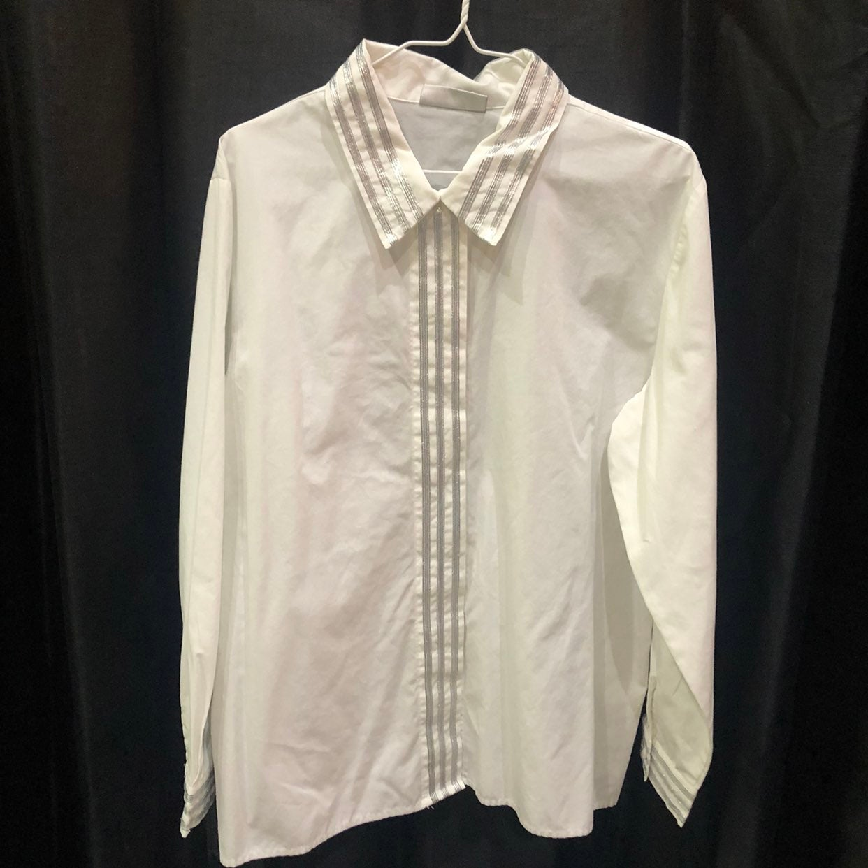 Size 14, White Blouse W/Silver Accents